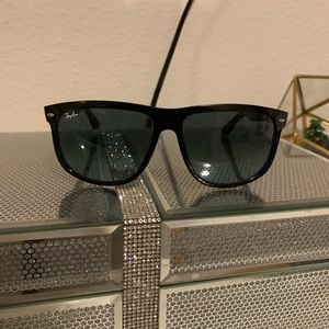 Ray Bans!! (Authentic)